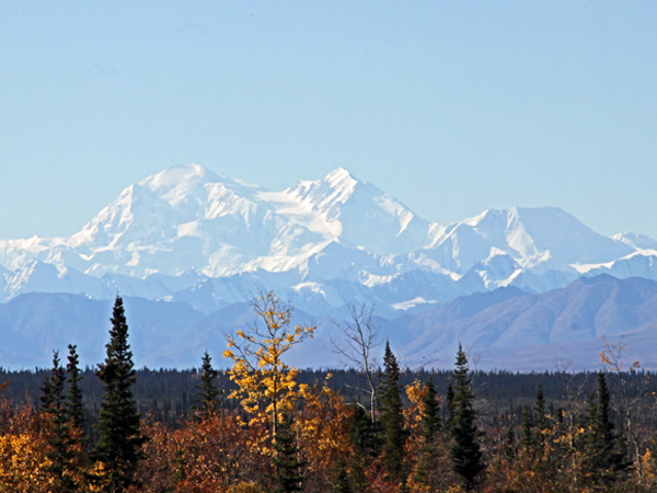 A clear day on the Denali Highway.